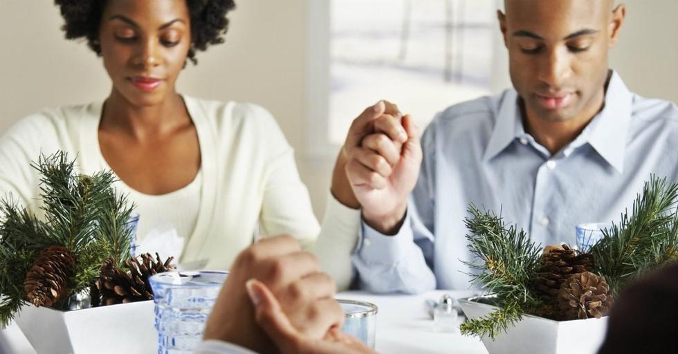 15 Christmas Prayers to Focus Your Heart on Jesus